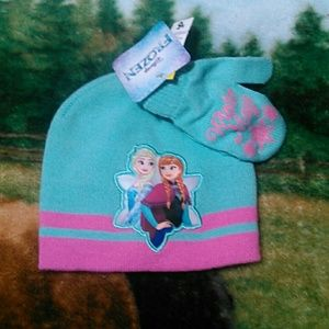 Other - 6 for 20 sale Disney frozen gloves and hat